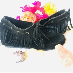 Minnetonka Black Leather Ankle Moccassins